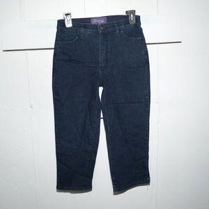 NYDJ womens capris size 6 -9799-